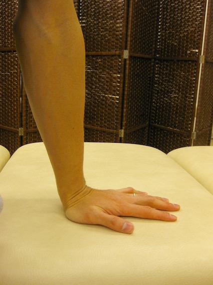 ばね指・腱鞘炎・手のひらをつく